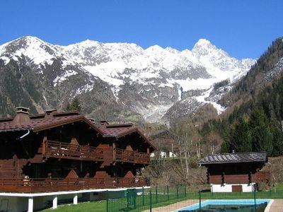 Photo for Promo rate - Charming apartment in a chalet residence. Foot of the tracks.