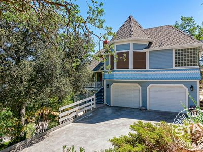 Photo for Vacation Home in Beautiful Oak Tree Canopy--Downtown Paso Robles!