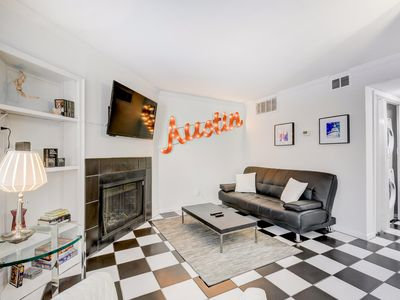 Photo for Downtown Austin 1BR w/ Shared Pool - Walk to Attractions, Dining, & Nightlife