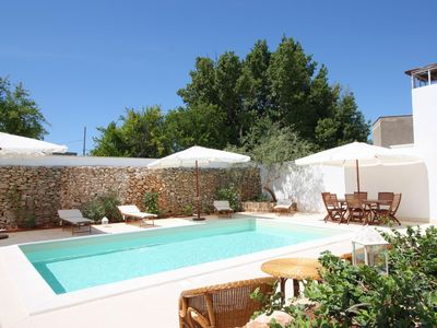 Photo for Luxury Courtyard apartment in Racale with WiFi, shared terrace & shared garden.