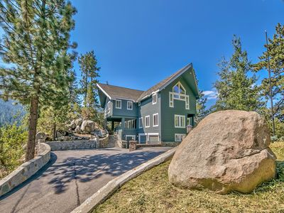 Photo for The Lakeview lodge is set amongst the boulders with Lakeviews from many decks