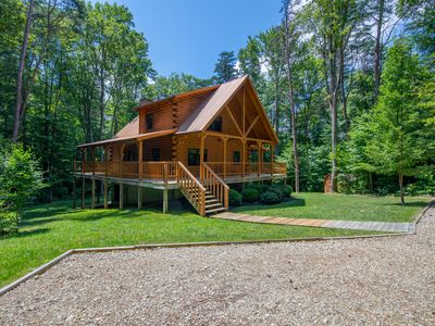 Photo for New rental! Beautiful 3 bedroom custom cabin on 5 acres. Close to Old Man's Cave!