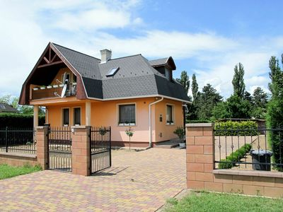 Photo for Beautiful apartment for 8 people with private pool, internet, TV, balcony and parking