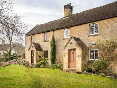 Photo for Green Knoll Cottage is a beautiful Cotswold stone cottage, located in a row on a grassy knoll