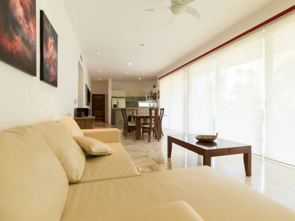 Luxury Condo step away from the sea - Two Bedroom Apartment, Sleeps 4