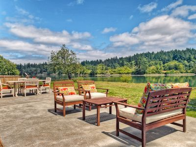 Photo for Gorgeous Waterfront Home! Private hot tub, kayaks, SUP, pedal boat, firepit.