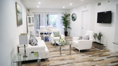 Photo for Cozy Modern Condo - 2.6 Miles to Barefoot Beach!