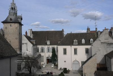 """the sight from the apartment : the """"beffroi"""" and the garden of the Dali museum"""
