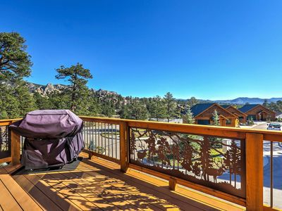 Photo for Estes Park Home w/ Deck & Grill - Steps from DT!