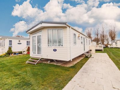 Photo for Luxury 6 berth holiday home in Norfolk for hire at California cliffs ref 50016
