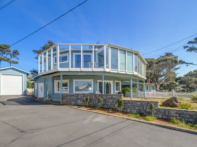 Unique, spacious home with private hot tub, game room, and great ocean views