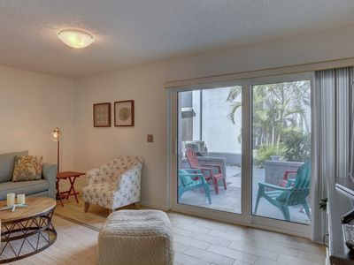 Photo for Madeira Beach Yatch Club - lots of amenities, just across the street from beach!