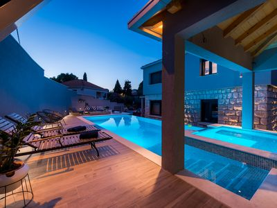Photo for Villa Vikor with large private swimming pool and jacuzzi.....