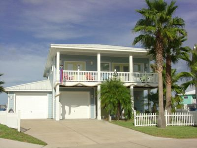 Photo for 3 bedroom 3 bath home with beach access, community pool