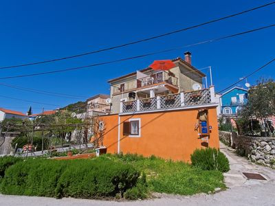 Photo for Studio with air conditioning close to the beach