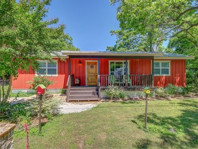 A Vintage Cute 2 bedroom, 2 bath cottage, n... - VRBO