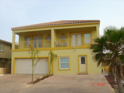 Photo for Beautiful Townhouse across from beach access - 4BR/3.5BA
