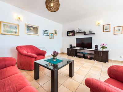 Photo for Spacious holiday home Gina; 6+2 with pool, sea view and only 12km from Dubrovnik