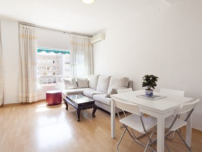 Photo for 3 bedroom apartment next to Arc de Triunf