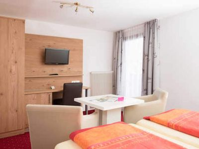 Photo for Double Room with Balcony and Garden View - Pension Irlingerhof ***