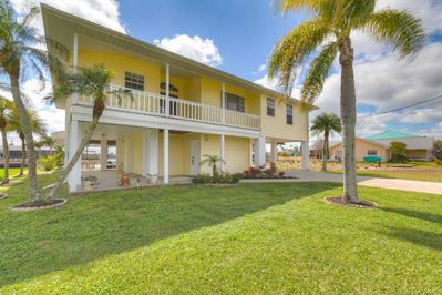 This vacation rental sports a charming coat of yellow!