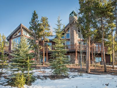 Photo for Elegant Mountain House with Views and Vaulted Ceilings
