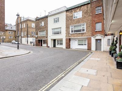 Photo for Beautiful House in Heart of Mayfair