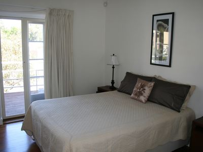 Photo for Oxford 1A Smart two bedroom apartment next to UWA -Free Wi-Fi