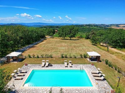 Photo for Cosy apartment with WIFI, pool, pets allowed, panoramic view, parking, close to Greve In Chianti
