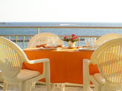 Photo for Heart St-Raphaël, 2 rooms of Standing 4 **** in front of the beach .View sea at 180 °