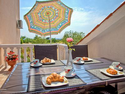 Photo for 3 bedroom Apartment, sleeps 5 in Maružini with Air Con and WiFi