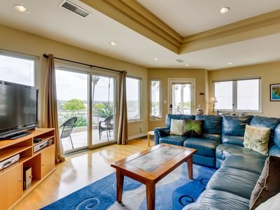 Photo for Cheery Bayfront home, Air Conditioned, Beach Cruisers, SoCal Chic: NautilusRentals