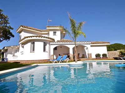 Photo for Modern renovated lichtdurchfl. Cottage w. heated pool, 5 bedrooms, 3 bathrooms