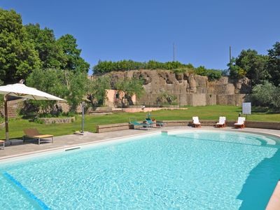 Photo for Beautiful apartment for 4 guests with pool, TV and parking