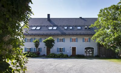 Photo for Künstlerdorf Holzhausen / Ammersee, 5 ***** - Charming, spacious apartment