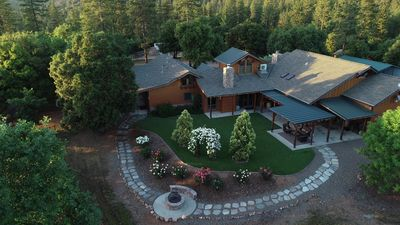 Luxury farm stay on 60 acres in gold country