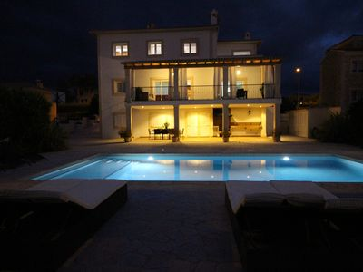 Photo for Luxury villa overlooking the Bay of Palma with large private pool.