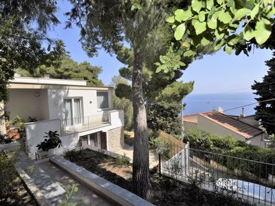 Photo for Stunning private villa for 6 guests with WIFI, A/C, TV, balcony and parking