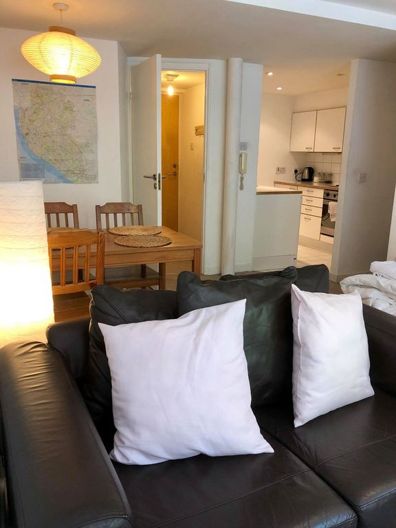 Albert Dock Apartment Minutes Away From Major Attractions Free Parking
