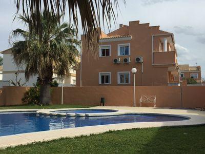 Photo for House in a beautiful residence with swimming pool 800m from the beach.