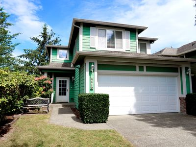 Photo for Massive Space Beautiful Issaquah Cozy 3-Bed House