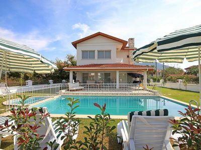 Modern 3 Bedroom Private Villa w/ Private Pool, Free Bicycles, Free Wi-fi, Safe