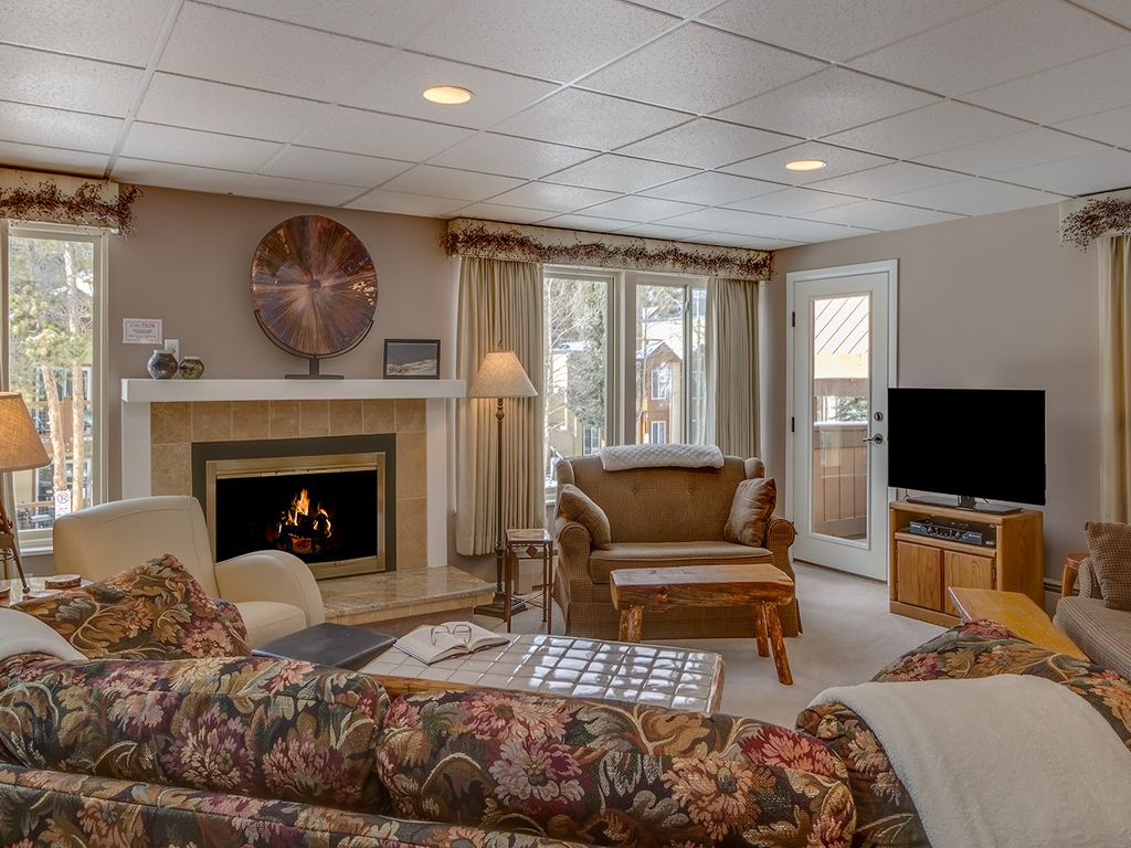Walk to Peak 9 Lifts and Main Street Breck. Large 2 bed/3 bath ...