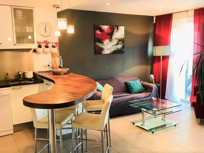 Photo for Comfortable 2 bedroom apartment in the centre of Cannes