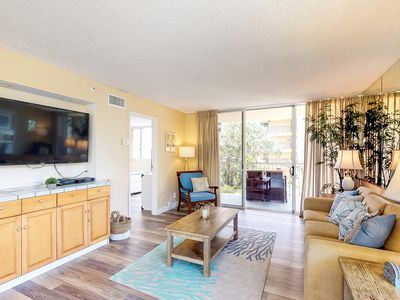 Photo for NEW!Elegant Oceanfront Remodeled 2B/2B GREAT LOCATION,Lanai,AC,Free WIFI&Parking