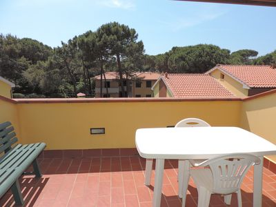 Photo for Two-room apartment with sun terrace 150 meters from the sea