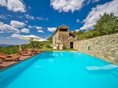 Photo for Luxury Villa Heaven Hills with Pool