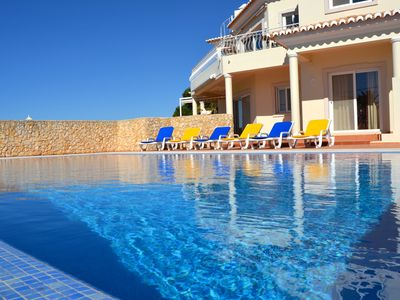 Photo for Stunning villa for 6 persons with a mature garden and a solar heated pool.