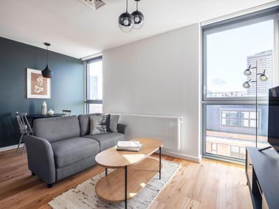 Photo for Cozy 1BR, New Development close to Silicon Roundabout and Angel