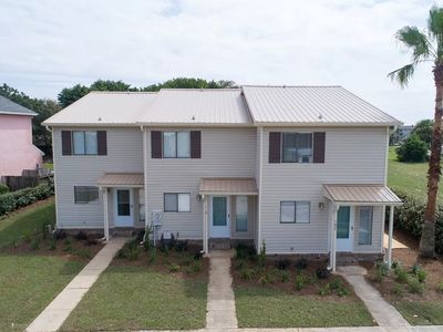 Photo for Steps to private Sunnyside Beach - New to rental market